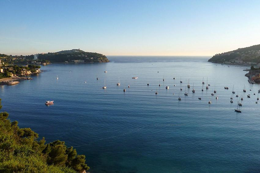Die Bucht von Villefranche-sur-Mer an der Côte d'Azur