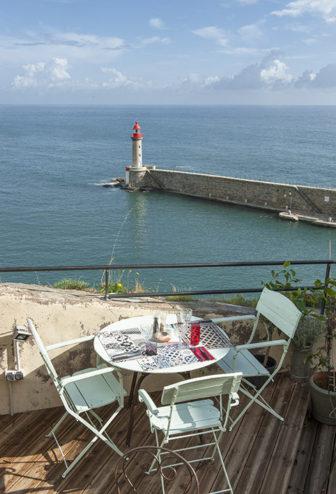 f_korsika_bastia_hafen_restaurant-terrasse_1_hilke-maunder