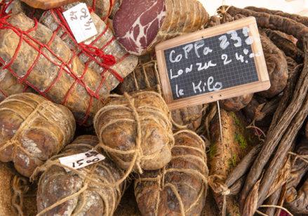 f_korsika_i%cc%82le-rousse_markt_coppa_hilke-maunder