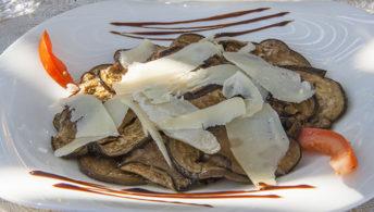 f_korsika_santantonino_restaurant-la-vou%cc%82te_vorspeise_hilke-maunder