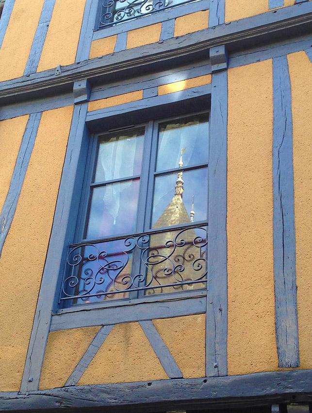 Fachwerk in allen Farben findet ihr in der Altstadt von Le Mans. Foto: Hilke Maunder