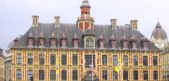 F_Lille_Place Charles de Gaulle_Vielle Bourse_small©Atout France_Michel Angot