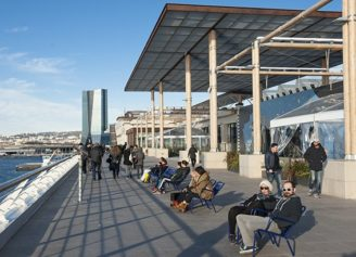 F_Marseille_Terrasse du Port_Terrasse_HafenTurm©Hilke Maunder