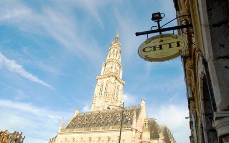 F_Nord_Arras_Place des Héros_Rathaus_©Hilke Maunder