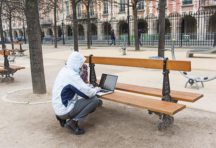 Co-working in Paris: In vielen Pariser Parks gibt es kostenloses WLAN.
