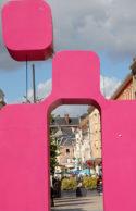 /F/Picardie/Somme/Amiens: Beginn der Fußgängerzone an der Tour Perret