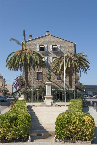 f_propriano_hafen_-kleiner-place-rue-de-la-marine-_-av-napoleon-iiihilke-maunder