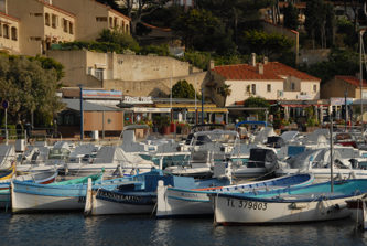 F/Provence/Var/St-Cyr-sur-Mer: Hafen von La Madrague