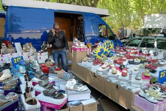 F/Provence/Var/St-Cyr-sur-Mer: Wochenmarkt (So. bis 12.00 Uhr)