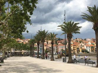 F_PyreneesOrientales_Banyuls_Promenade_1_credit Hilke Maunder