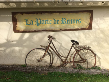 F_Rennes-le-Château_Fahrrad_Wandtext_©Hilke Maunder
