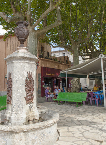 f_st-paul-de-fenouillet_gite_pous-cafe_-hilke-maunder-jpg