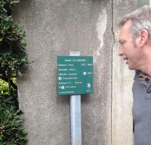 F_St-Paul-de-Fenouillet_Gite_walk_sign_© Hilke Maunder.