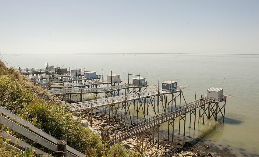 Auch in Talmont findet ihr die Fischerhütten auf Stelzen, die typisch sind für die Küsten der Charentes und Vendée. Foto: Hilke Maunder