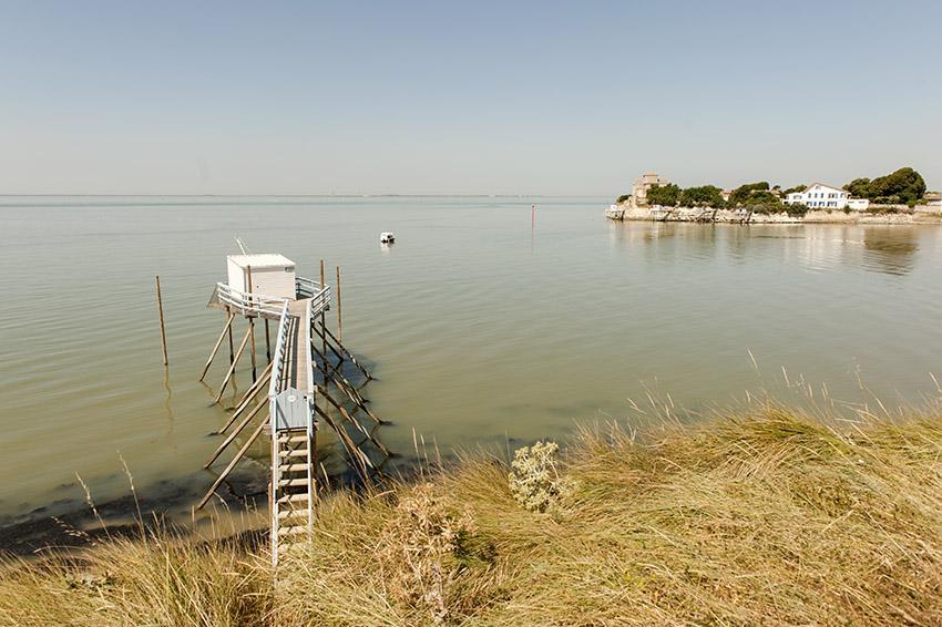 Auch in Talmont-sur-Gironde findet ihr die Fischerhütten auf Stelzen, die typisch sind für die Küsten der Charentes und Vendée. Foto: Hilke Maunder
