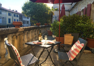 f_tarascon_hotel-provence_terrassehilke-maunder