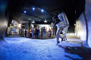 F_Toulouse_Cite de l'Espace_Moonwalking_©OT Toulouse