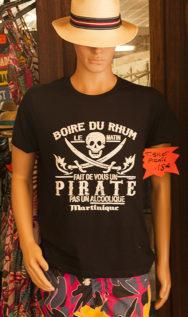 F_Trois-Ilets_Village de la Poterie_T-Shirt_Rum_credits_Hilke Maunder