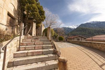 F_Vernet-les-Bains_N.D. del Puig_Canigou_©Hilke Maunder