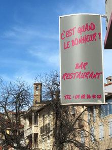F_Vernet-les-Bains_Restaurant_C'est quand le bonheur_Schild_ credits_Hilke Maunder