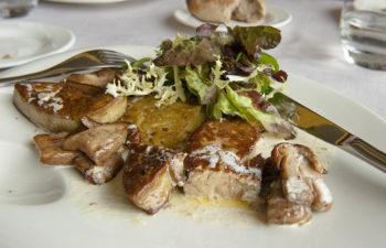 f_viarho%cc%82na_ho%cc%82tel-de-bellevue_foie-gras-poeleehilke-maunder